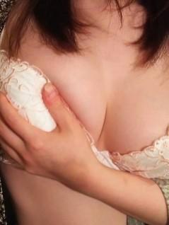 甘えん坊の色白美乳美女-神奈川風俗嬢